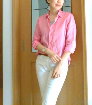 ピンクシャツのコーデ